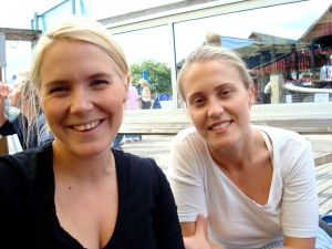Två av systrarna Sandström, Elin kommer ner imorgon!