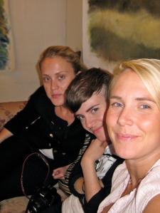 Systrarna Sandström hade soffhäng medans grabbarna köade i typ en timme. Men det är det värt!