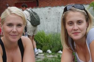 Två av systrarna Sandström