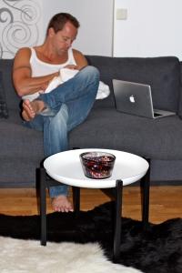 Det perfekta Soffbordet! Den perfekta Mannen! Den perfekta Bebisen!