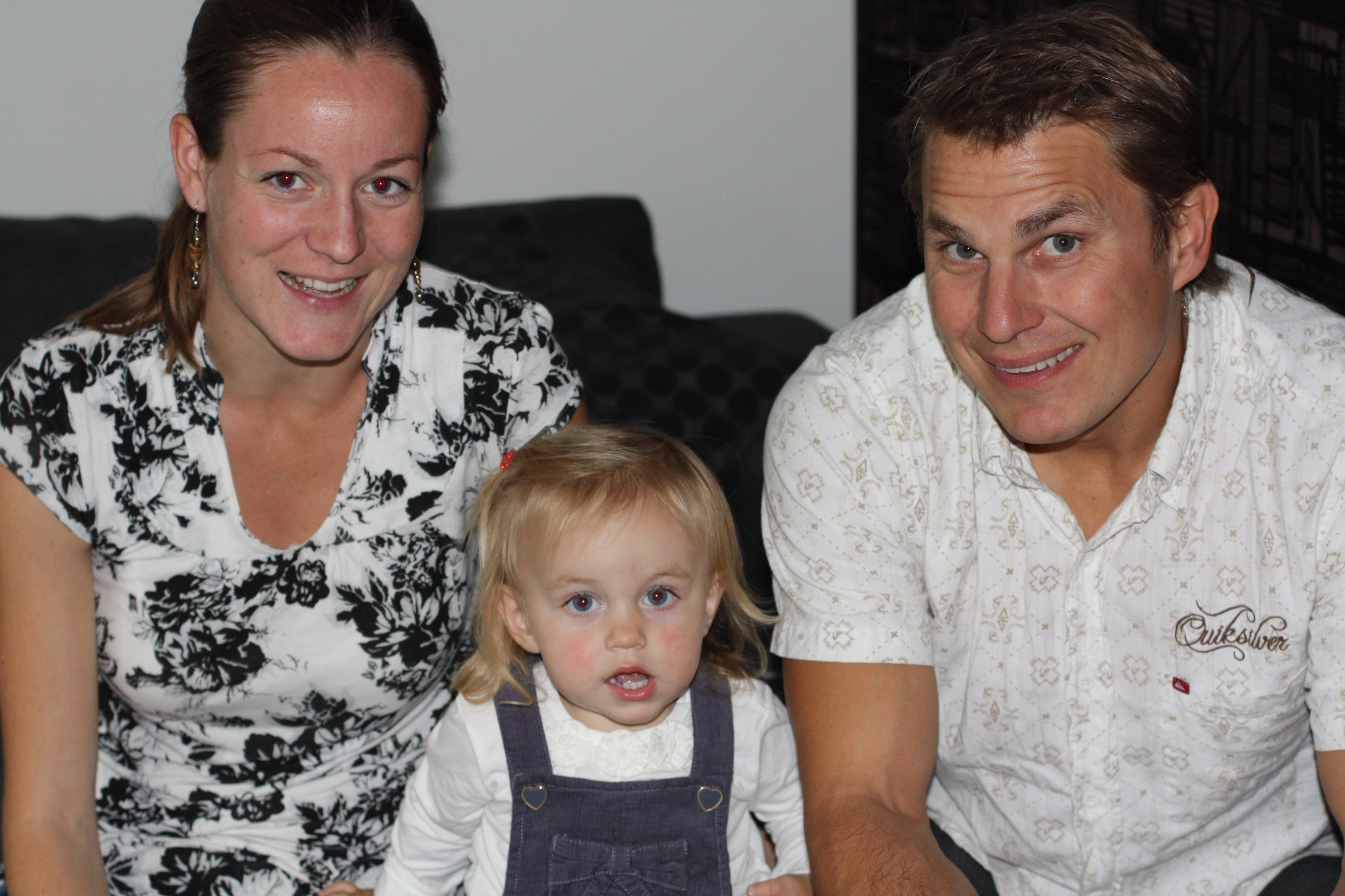 Familjen Dillner Sjögren; Marie, Elvira & Rolle åkte långväga för att fira oss