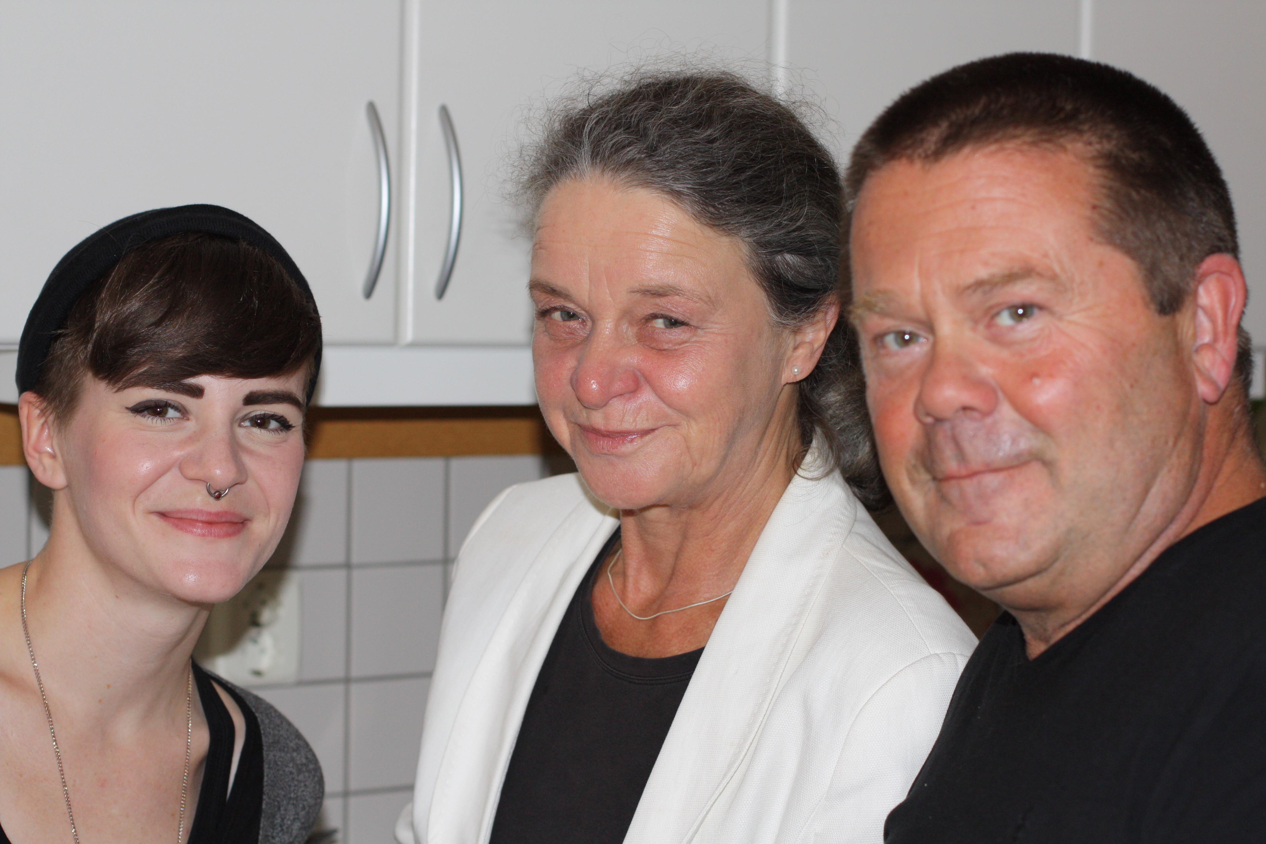 Sixtens Moster Elin, Gammelmoster Lena och Morfar Tomas, som är den första Tomasen i familjen