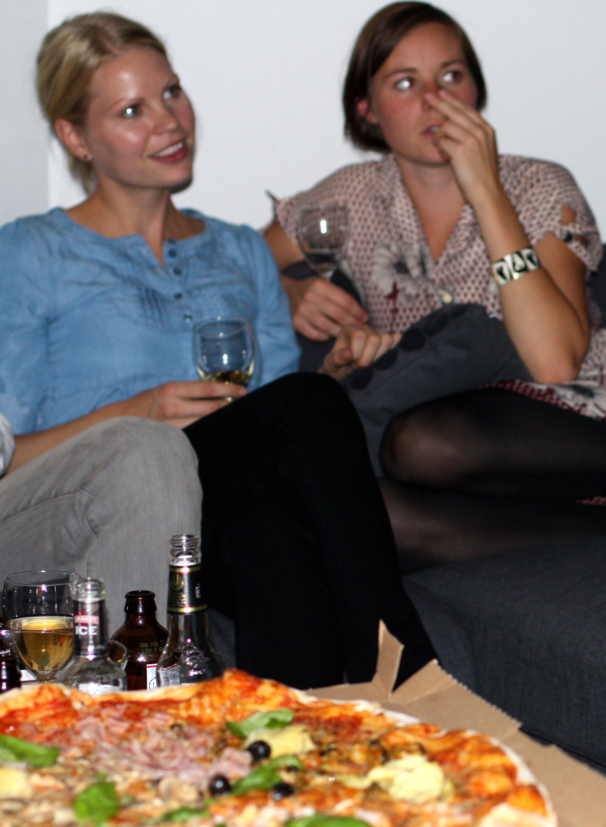 KanotKarin hade åkt hela vägen från Göteborg, Lina och hennes Gustav från Örebro. På denna bild borde Tant Anna från Malmö också varit med. Vi saknade dig ska du veta!
