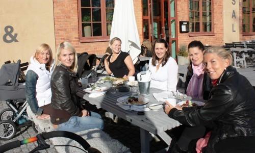 MILF:s från vänster: Elin, jag, Jenny, Alex, Ida och Sandra